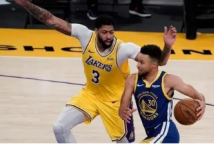 NBA开幕之夜篮网对雄鹿勇士对湖人